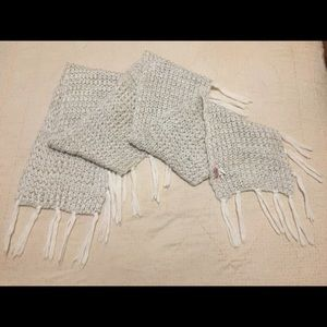 Juicy Couture White-Knit Oversized Fringed Scarf